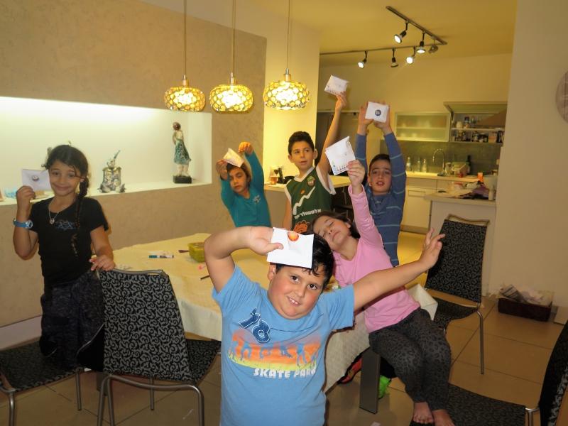פעילויות לחנוכה באנו צופן לחפש פעילות בבית לילדים לחנוכה