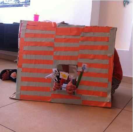 בונים תאטרון בובות – יצירה בקרטון