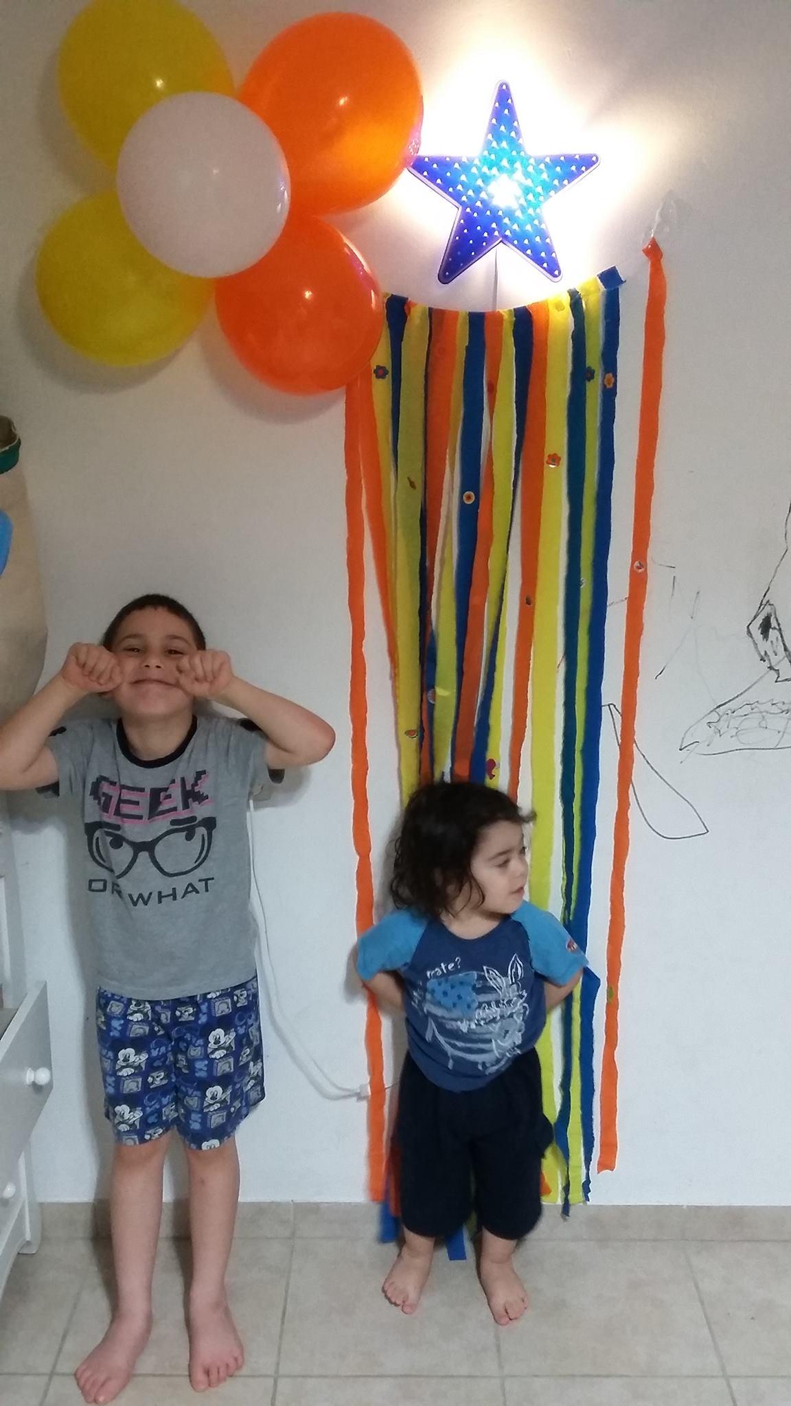 בלוני צורות פעילויות לילדים בבית קיטנת החופש הגדול