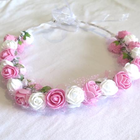 כתר פרחים ורוד לבן