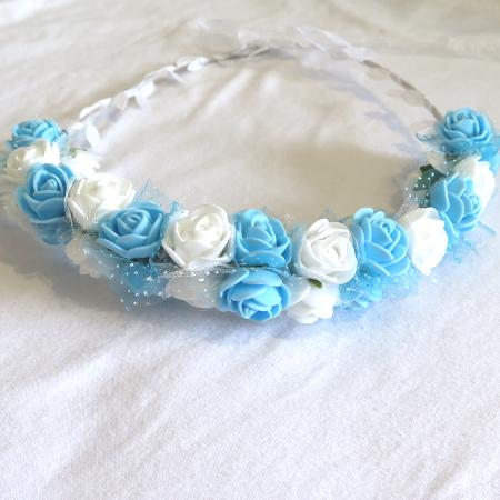 כתר פרחים כחול לבן